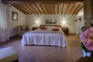 Bedroom in the aparmtents of Chianti and more